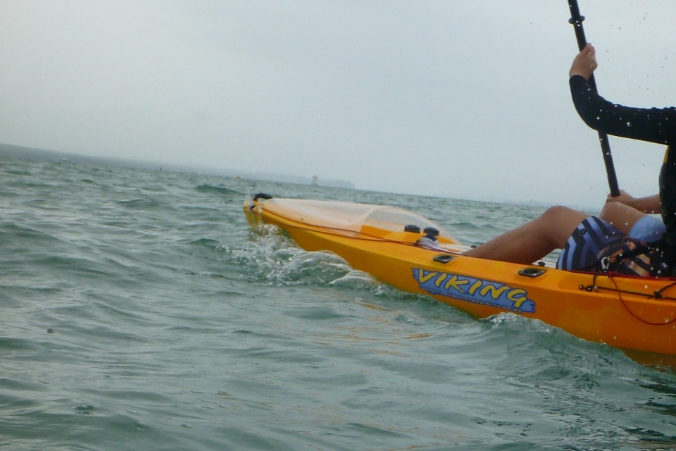 Fergs kayaks auckland fishing lesson with paddle guy for Fishing kayak for big guys