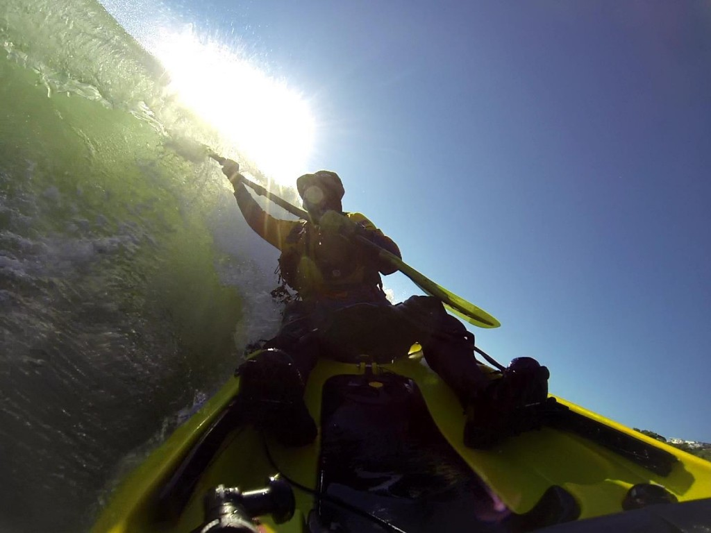 High brace kayak surf